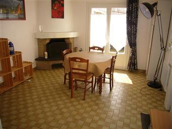 LA TURBALLE CENTRE-VILLE - Bel appartement meublé 3 chambres à louer à l'année - Proximité immédiate des commerçants - Le port à pied