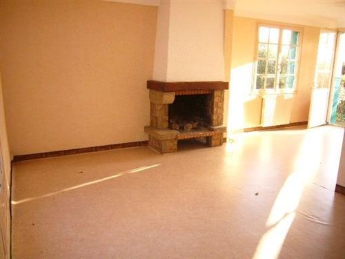 HERBIGNAC - Maison 4 chambres dans quartier calme avec belle vue d�gag�e sur la campagne