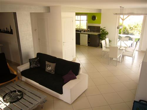 SAINT-MOLF - Maison r�cente (2007) 5 chambres proche commerces et �cole