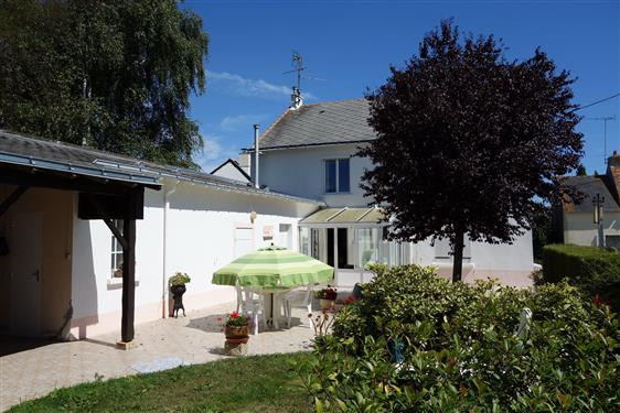 SAINT-MOLF DANS VILLAGE - Maison traditionnelle 5 chambres � vendre - Quartier calme