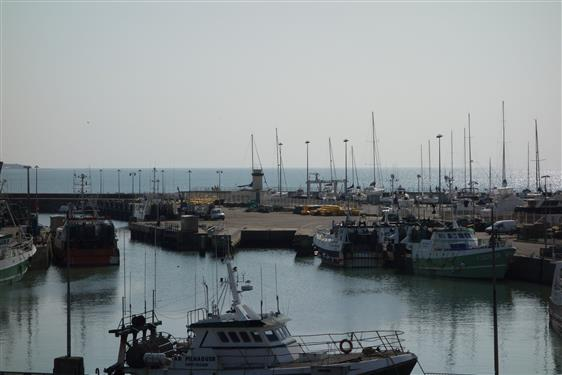 LA TURBALLE - Bel appartement face au port, 2 chambres, mezzanine - Proximit� plage et commerces