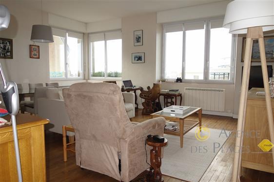 LA TURBALLE FACE PORT - BELLE VUE PANORAMIQUE SUR MER - Appartement 3 chambres en excellent état à vendre