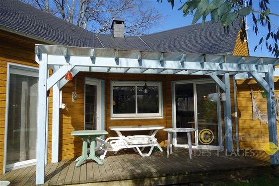 MESQUER - Dans quartier calme, maison bois 3 chambres de plain pied à vendre