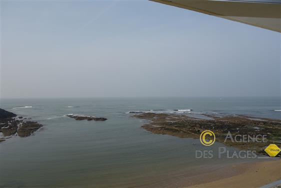 LA TURBALLE FACE MER - Magnifique vue plongeante sur mer pour cet appartement type 2 � vendre - Tr�s proche plage et centre-ville