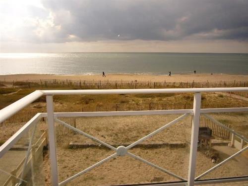 LA TURBALLE PROCHE MER - A vendre appartement type 2  � proximit� imm�diate de la plage