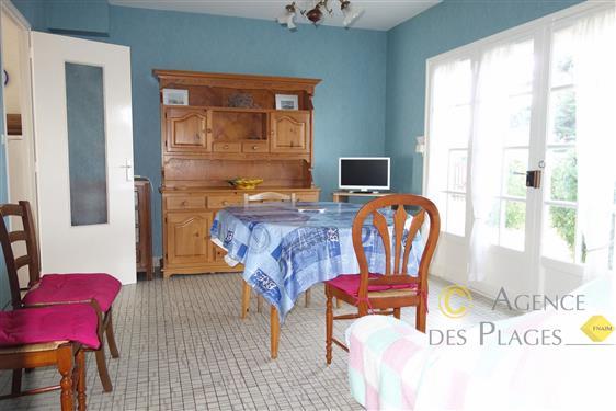 LA TURBALLE TRES PROCHE PLAGE - Maison de plain pied 2 chambres � vendre - Proximit� imm�diate de la plage