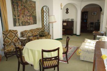 LA TURBALLE EN PLEIN CENTRE-VILLE - Belle maison en pierre 4 chambres à vendre - Proximité immédiate port et commerces