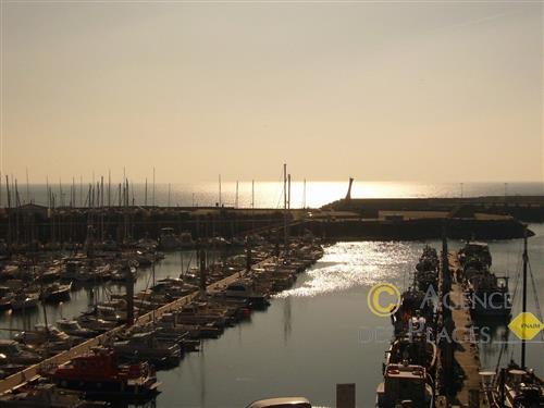 LA TURBALLE FACE PORT- Appartement T2 en excellent �tat � vendre avec une magnifique vue - Tr�s proche plage, port et commerces