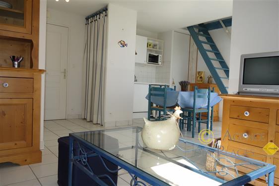 LA TURBALLE - Appartement T1 bis en duplex � vendre - Plage et centre-ville � pied