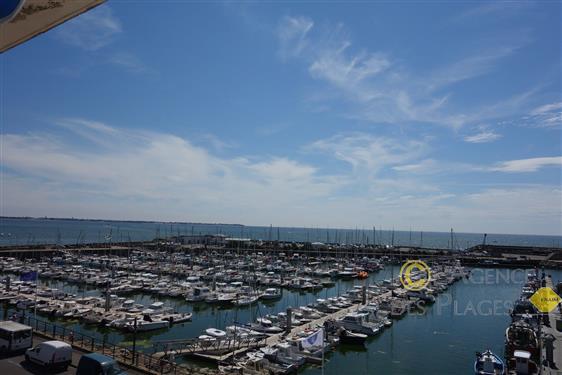 LA TURBALLE FACE PORT - Appartement T2 � vendre - Magnifique vue sur mer
