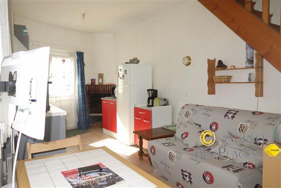 LA TURBALLE CENTRE-VILLE - Petite maison de ville � vendre - Proximit� imm�diate port et commerces