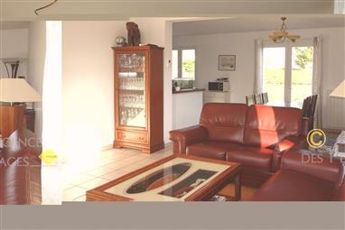 LA TURBALLE - Maison en bon état, 4 chambres, à vendre - Commerces de proximité à pied