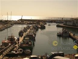 LA TURBALLE - Appartement T2 duplex à vendre - magnifique vue sur le port et la mer - Proximité immédiate port et commerces