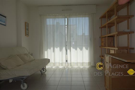 LA TURBALLE CENTRE-VILLE - Studio cabine bien exposé à vendre - Quartier calme à 2 pas du port et de la plage