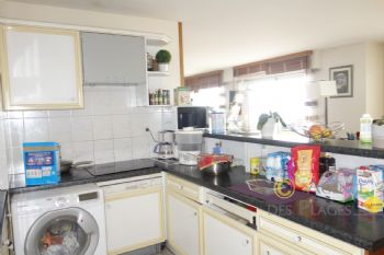 LA TURBALLE FACE MER ET PORT - Vaste appartement T3 de 100 m² à vendre - Proximité immédiate plage