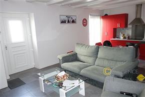 LA TURBALLE CENTRE-VILLE - Appartement 2 chambres entièrement rénové à vendre - Proximité immédiate port et commerces