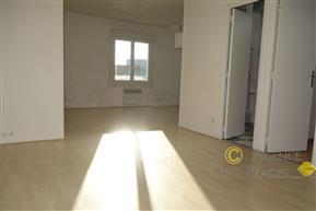 LA TURBALLE PROCHE PLAGE - Appartement une chambre à vendre - Centre-ville à pied - 55.92 m²