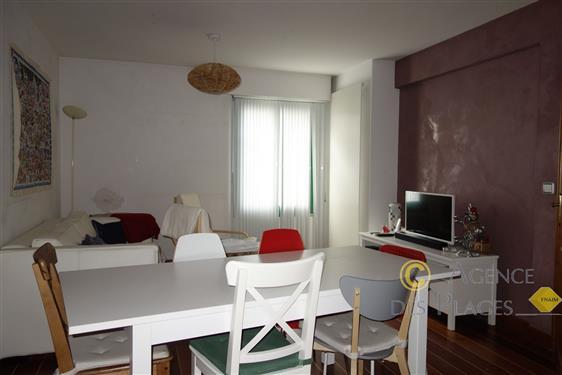 LA TURBALLE CENTRE-VILLE - Maison 3 chambres et local commercial à vendre