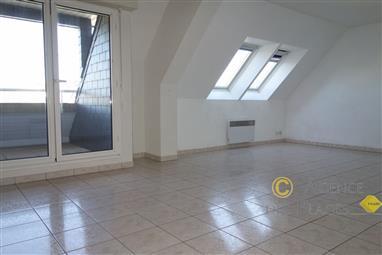 LA TURBALLE CENTRE-VILLE - Bel appartement une chambre et mezzanine à vendre - 61.50 m² - Proche port, plage et commerces