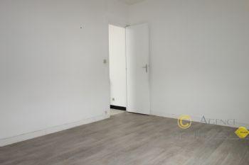 LA TURBALLE PROCHE PLAGE - Appartement en duplex (65 m² habitable) 2 chambres à vendre - Les commerces et le port à pied