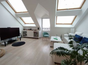 LA TURBALLE FACE PORT - Magnifique appartement T3 bis de 64.54 m² habitables (83.68 m² au sol) - Proximité plages et commerces