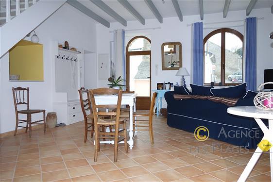 LA TURBALLE Proche commerces de proximité - Jolie maison rénovée 3 chambres à louer pour les vacances