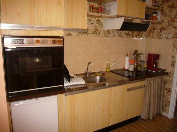 Cuisine vue 1 - LA TURBALLE appartement face mer accès plage direct - Location saisonnière