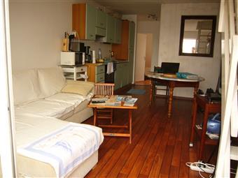 LA TURBALLE - Appartement meublé en duplex 2 chambres avec balcon et parking - Location à l'année