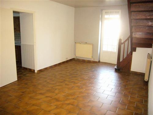 LA TURBALLE - Maison de village 2 chambres donnant sur cour - Location vide � l'ann�e
